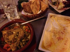 Hummus with Chicken and Veggies