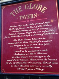 The Globe Tavern right in the middle of the market.