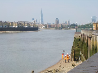 Views of the Thames of central London.