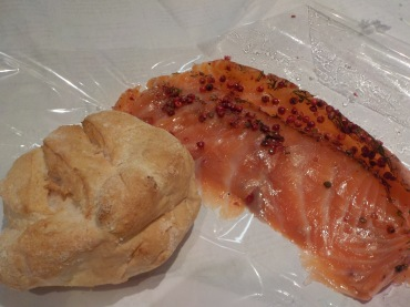 My perfect gluten-free roll with smoked salmon with pink peppercorns and dill.